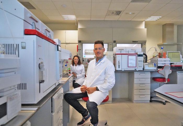 a couple of polyolefin laboratory chemists